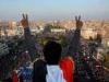 """حكومة الكاظمي تخلّد """"ثورة تشرين"""" بإقامة نصبين تذكاريين"""