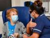 بريطانيا تقترب من تطعيم 40 مليونا
